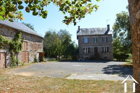 Two houses with large outbuildings and 4 ¼ acres Ref # Li596 Main picture