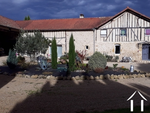 A character renovated gascon farmhouse with 4 bedrooms and  Ref # EL4444 Main picture