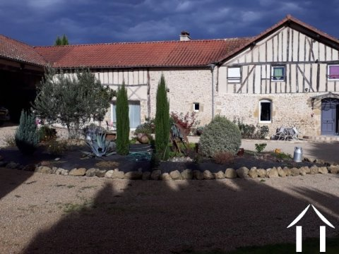 A character renovated gascon farmhouse with 4 bedrooms and  Ref # EL4444