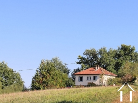 Comfortable house set on a ridge between Maubourguet and Ma Ref # EL4638 Main picture