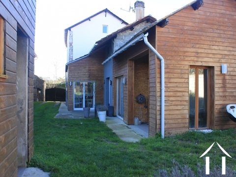 Tastefully renovated house, 3 bedrooms Ref # FV4699 Main picture