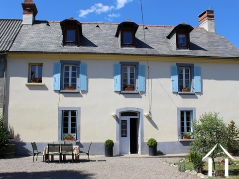 Beautifully renovated famhouse with gîte & outbuiildin Ref # LBD458 Main picture