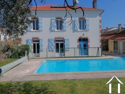Character house, 300m², 6 bedrooms, pool. Ref # LC4526