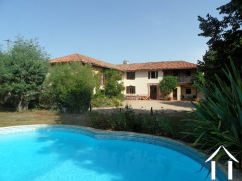 18e century 4 bed farmhouse with pool  Ref # lbd439