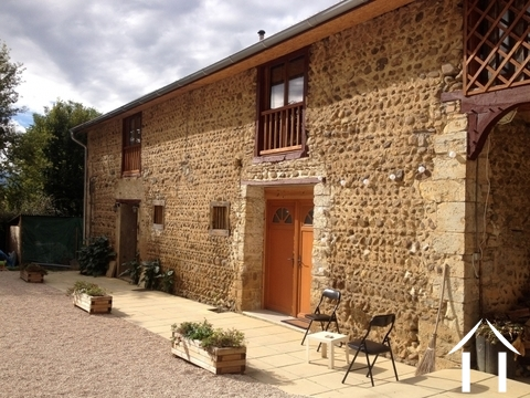 L shaped farmhouse with 2 gîtes on 2489 m² of land Ref # lbd446 Main picture