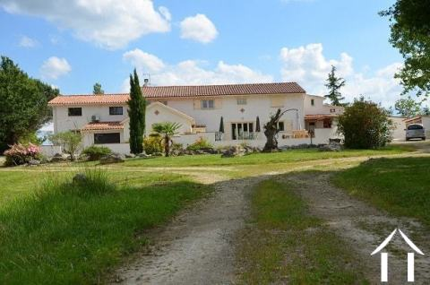 Stunning luxury property with  main house 395m2 (with 5B&b), gite and studio Ref # MP8081