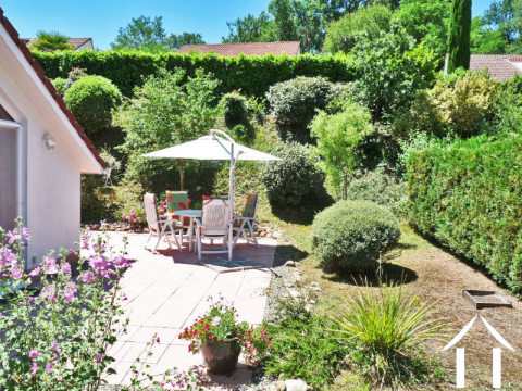 Villa type Espace 100m2 with garden. Situated on a private estate Ref # MP9068