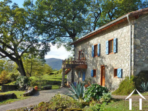 Beautiful mountain house on 4.72 ha with fantastic views of the mountain and gite potential Ref # MPDJ015