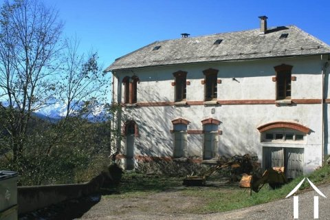 Former natural stone school building, to renovate Ref # MPDK051