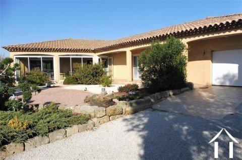 Pézenas: contemporary villa, excellent condition! Ref # MPMLP487