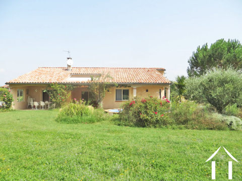 Villa with nice garden and above ground pool Ref # MP8059