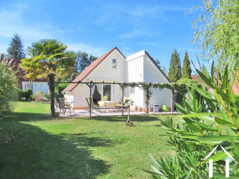 Villa in holiday park south of Toulouse Ref # MP8080