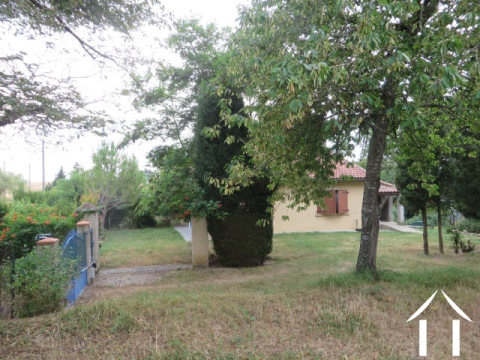 Villa on 2958m2 of land with view to the Pyrenees Ref # MP9053