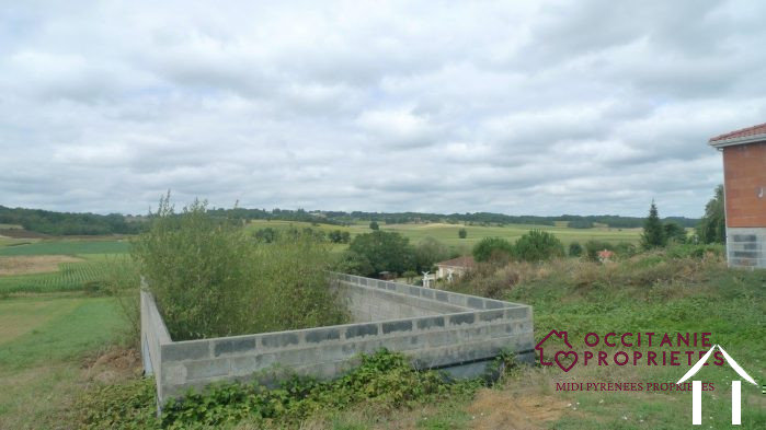 Nice piece of land of 2450 m2 in a village with buildingpermission