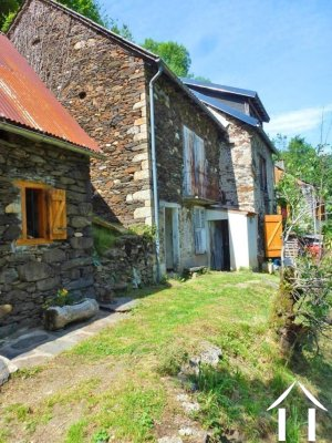 Stone house to renovate on 500m2 of land Ref # MPDK048