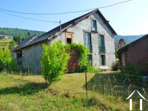 Mountain house with garden and views Pyrenees Ref # MPDK050