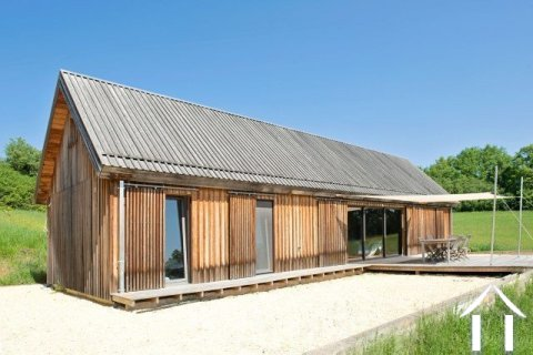 Wooden house with 5000 m² of land and beautiful views Ref # MPLS1027