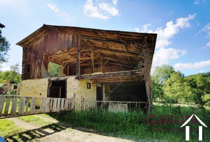 Stone barn to convert