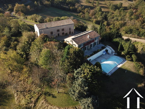 Beautiful house (156m2) with separate farmhouse to convert (324m2), pool, stunning views and 17 hectares of meadows and woodland Ref # MPOP0050