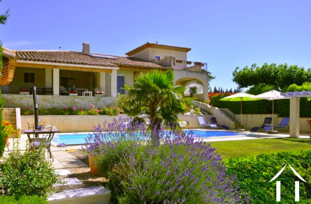 Luxury villa (187m2) with views of the Pyrenees, pool and 2,600m2 of land Ref # MPOP0055
