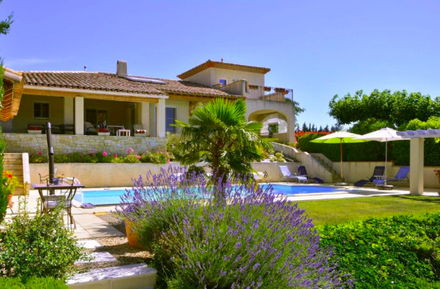 Luxury villa (187m2) with views of the Pyrenees, pool and 2,600m2 of land Ref # MPOP0055 Main picture