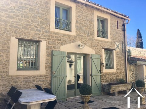 Beautifully renovated 3-bedroom stone house (194m2) with garden, swimming pool and views of the Pyrenees Ref # MPOP0057