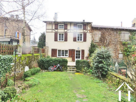 Beautiful renovated village house 146m2 with 120m2 habitable and a lovely garden 150m2. Ref # MPP8017