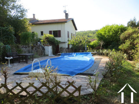 Pretty renovated character village house 120m2 with garden 800m2 and swimming pool. Ref # MPP8023