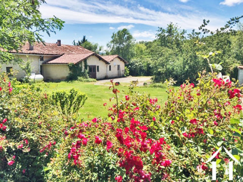 Charming renovated farmhouse 300m2 habitable, with attached gite, several outbuildings and large swi Ref # MPP9059