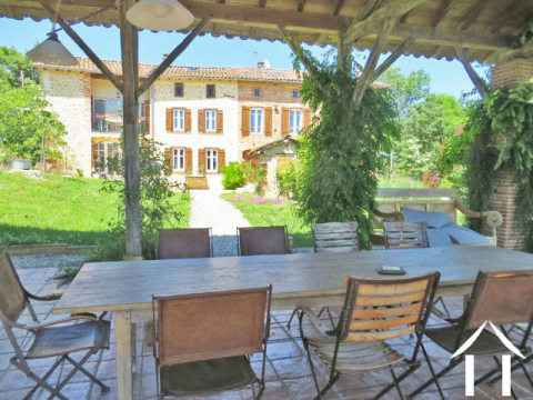 Character domaine comprising main house 260m2 with gite/guest house 160m2. Set in 12.6ha of grounds. Ref # MPP9065