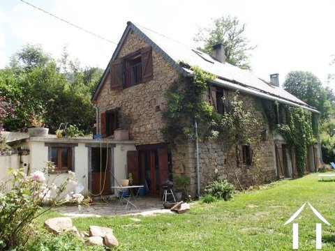 farmhouse 200m², traditional stone construction in beautiful mountain area with amazing views, with Ref # MPPDJ006