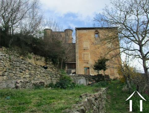 A carefully restored corner of a chateau (180m2) with 4/5 bedrooms and terraced garden (1290m2). Ref # MPPOP0035 Main picture