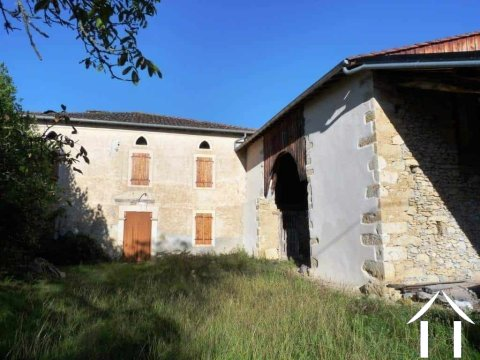 Big Gascony farmhouse with barns, land and a nice view. Ref # MPOA1819