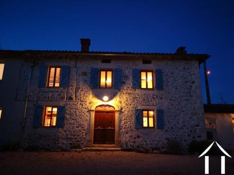 Old stone build farmhouse with land, barn and à wonderful sight of the Pyrenees. Ref # MPOA1838