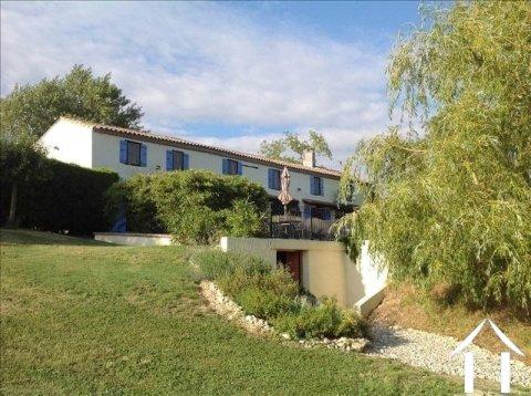 Charmante Franse boerderij (200 m²) met 4 slaapkamers en een zwembad, op 2,8 hectare grond Ref # MPOP0025