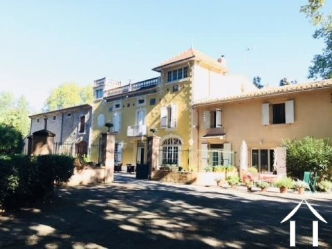 19th Château (850m2) on the Canal du Midi, consisting of main house and 5 separate gites, outbuildings, swimming pool and 37,000m2 of parkland Ref # MPOP0042